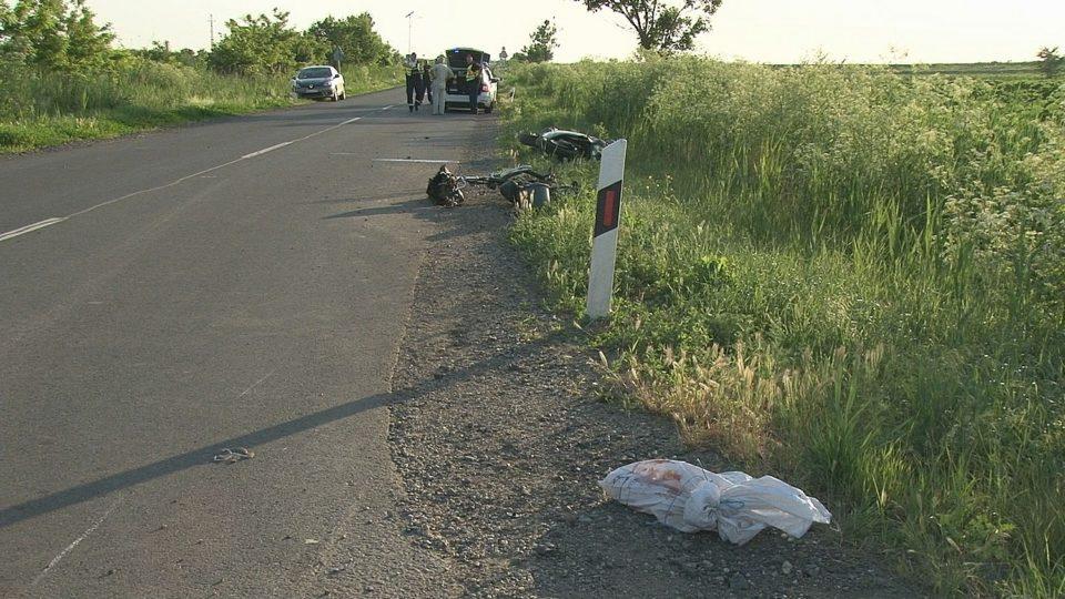 Egy motoros és egy elektromos kerékpáros ütközött össze Makó mellett