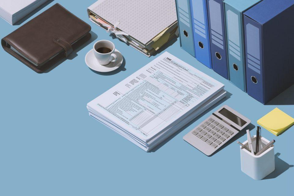 Filing the 1040 tax return form