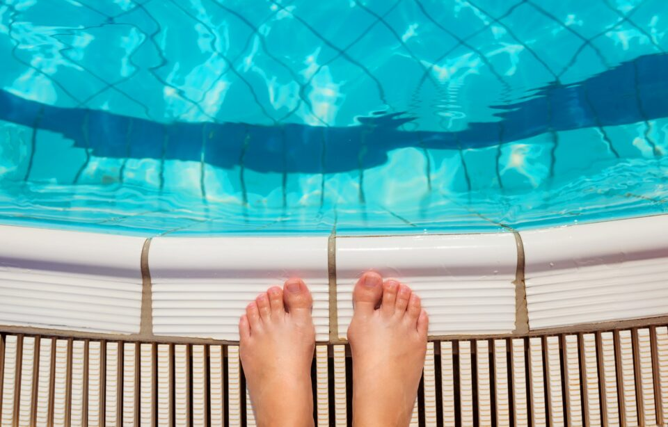 Feet at the swimming pool