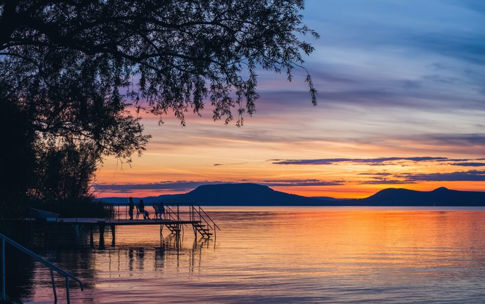 Colorful sunset at lake Balaton i